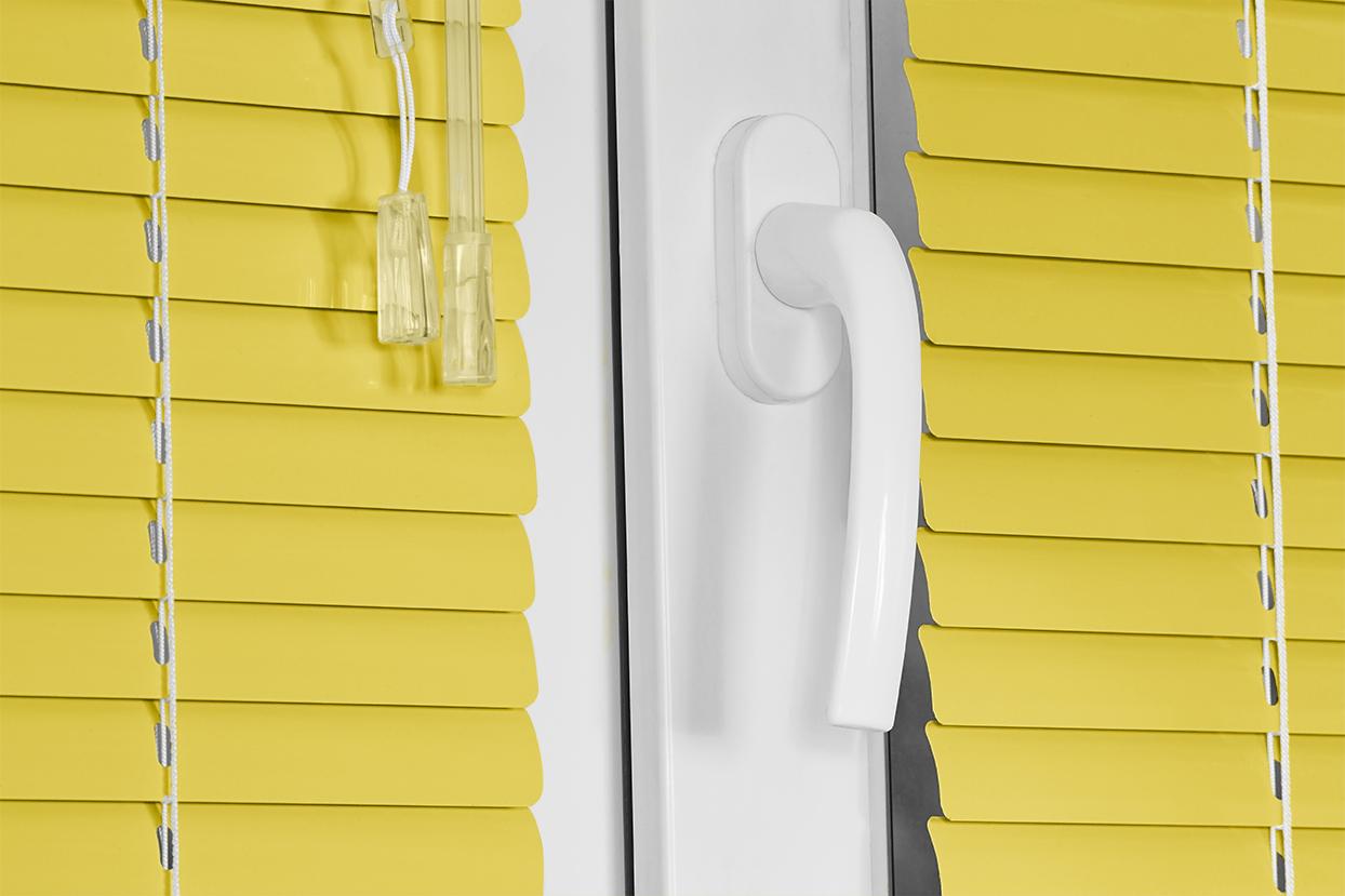 012 Mum Yellow. Corinas venecianas de fabricación propia
