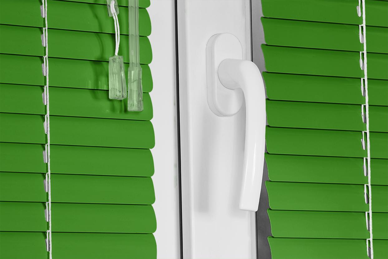 054 Parrot Green. Corinas venecianas de fabricación propia