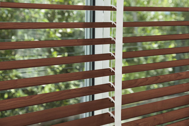 corinas-venecianas-en-madera-de-fabricacion-propia-Sequoia